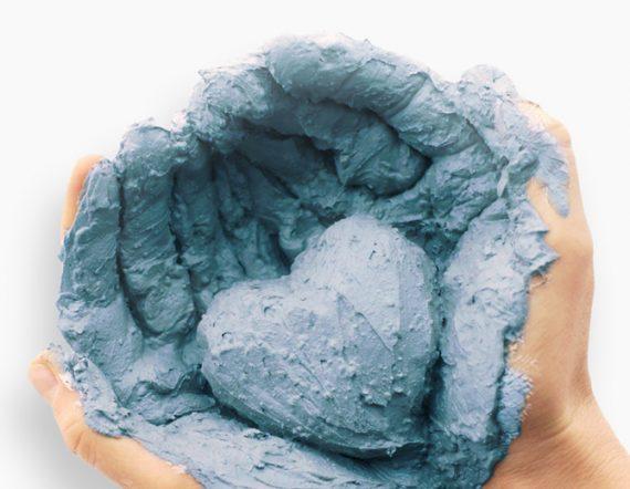 modra glina za nego kože